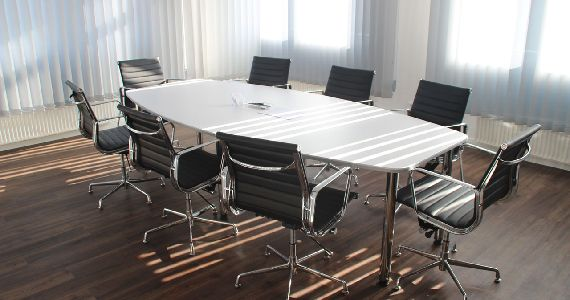 Commercial desks